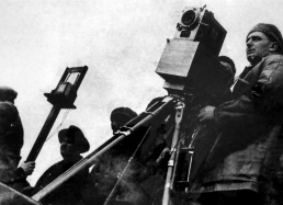 Dziga Vertov shooting sound film.jpg