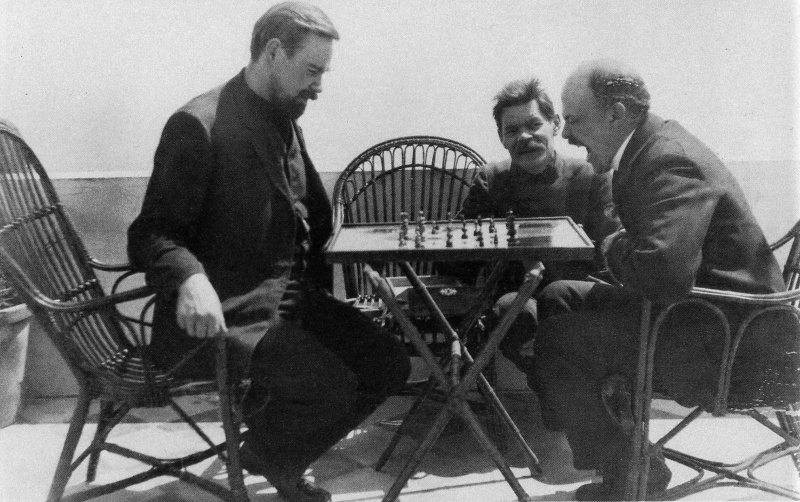 File:Lenin plays chess with Bogdanov during a visit to Gorky April 1908.jpg